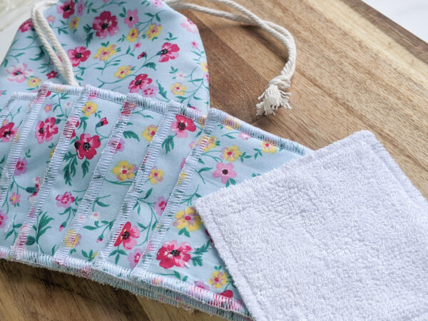 Blue_Floral_Strawberry_Bee_Reusable_Face_Pad_Set_Eco_Friendly_Sustainable_Drawstring_Bag