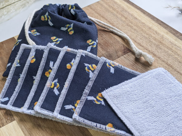 Bee_pattern_cotton_Reusable_Face_Pad_Set_Eco_Friendly_Sustainable_Drawstring_Bag