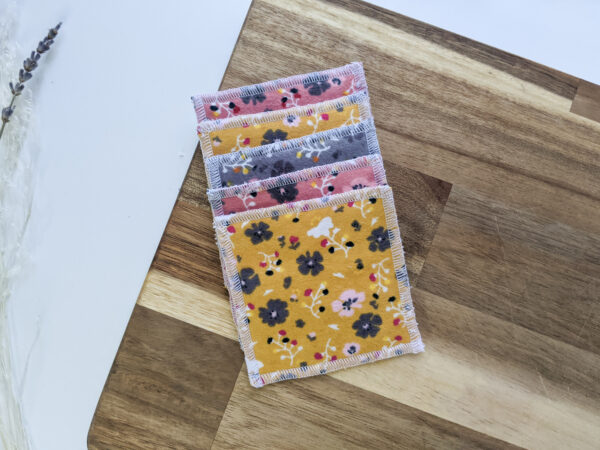 Floral_reusable_face_pads_eco_friendly_sustainable_cotton_bamboo_makeup_remover_Econabee